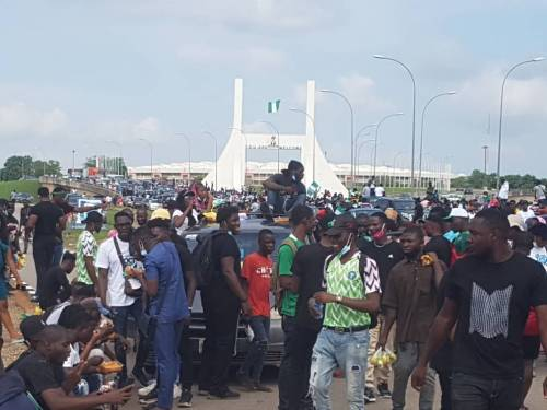 #EndSARS protesters in Abuja block airport road and city gate
