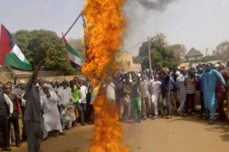 Drama As Shi'ites Set US, Israel Flags On Fire In Abuja During Fresh Protest
