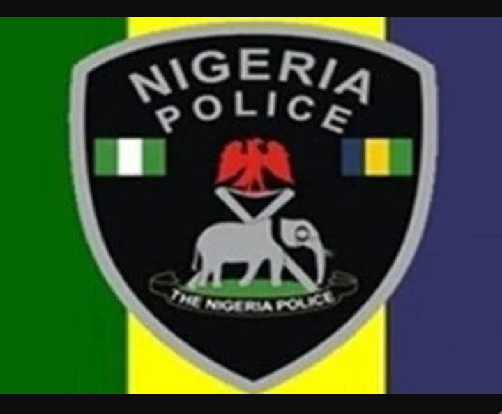 Inspector arrested for allegedly gunrunning and renting riffles to criminals